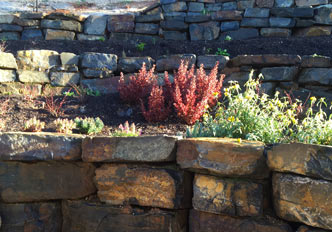 Adelaide hills bluestone quarry supplies for Landscaping rocks adelaide